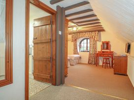 Barn Court Cottage - South Wales - 1037109 - thumbnail photo 14