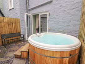 Chandlers Cottage - South Wales - 1037184 - thumbnail photo 37
