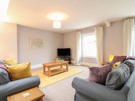 Apartment 6 - Devon - 1037273 - thumbnail photo 2