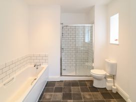Apartment 6 - Devon - 1037273 - thumbnail photo 11