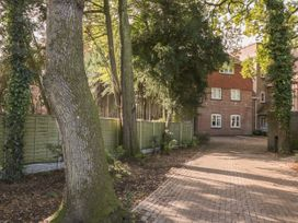 Bassett Green Apartment 1 - South Coast England - 1037537 - thumbnail photo 23