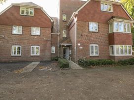 Bassett Green Apartment 1 - South Coast England - 1037537 - thumbnail photo 2
