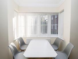 Bassett Green Apartment 1 - South Coast England - 1037537 - thumbnail photo 11
