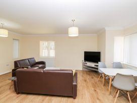 Bassett Green Apartment 1 - South Coast England - 1037537 - thumbnail photo 6