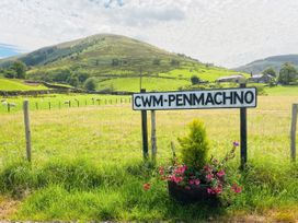 Pen y Cwm - North Wales - 1037656 - thumbnail photo 15
