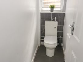 2 Bay View Road - Anglesey - 1037743 - thumbnail photo 17