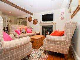 Chapel Cottage - Cotswolds - 1037835 - thumbnail photo 4