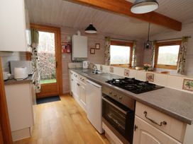 Barn Owl Lodge - Mid Wales - 1037959 - thumbnail photo 10