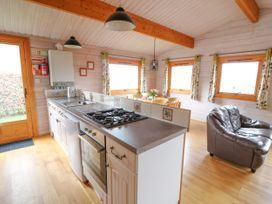 Barn Owl Lodge - Mid Wales - 1037959 - thumbnail photo 11