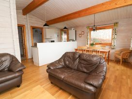 Barn Owl Lodge - Mid Wales - 1037959 - thumbnail photo 5