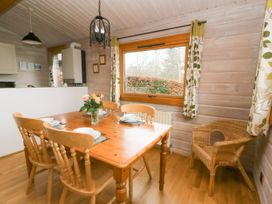 Barn Owl Lodge - Mid Wales - 1037959 - thumbnail photo 8