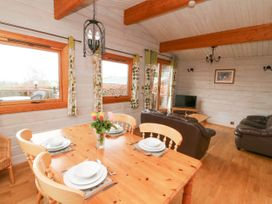Barn Owl Lodge - Mid Wales - 1037959 - thumbnail photo 9
