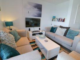 Apartment 3 Fistral Beach - Cornwall - 1038203 - thumbnail photo 6
