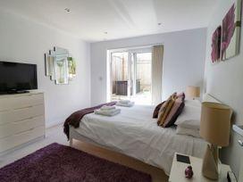 Apartment 3 Fistral Beach - Cornwall - 1038203 - thumbnail photo 16