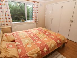 11 Queens Drive - North Wales - 1038287 - thumbnail photo 23