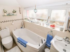 The Pink House - South Wales - 1038431 - thumbnail photo 20