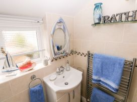 The Pink House - South Wales - 1038431 - thumbnail photo 21
