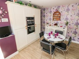 The Pink House - South Wales - 1038431 - thumbnail photo 12