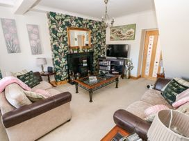 The Pink House - South Wales - 1038431 - thumbnail photo 4