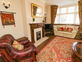 Destiny Rose - Whitby & North Yorkshire - 1038935 - thumbnail photo 2