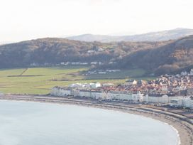 Two Bays and the Orme View Cottage - North Wales - 1039004 - thumbnail photo 18
