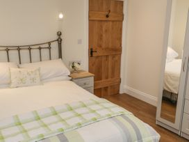 Cartwheel Cottage - Whitby & North Yorkshire - 1039011 - thumbnail photo 11
