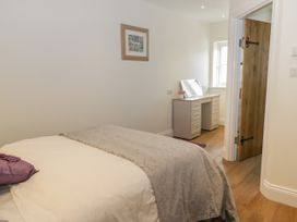 Cartwheel Cottage - Whitby & North Yorkshire - 1039011 - thumbnail photo 13