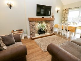 Cartwheel Cottage - North Yorkshire (incl. Whitby) - 1039011 - thumbnail photo 6
