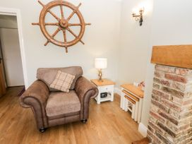 Shipswheel Cottage - North Yorkshire (incl. Whitby) - 1039012 - thumbnail photo 5