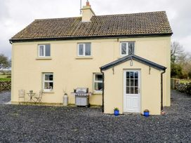 4 bedroom Cottage for rent in Cong Village