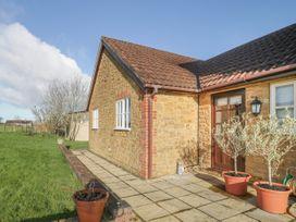 Walnut Tree Farm - Somerset & Wiltshire - 1039311 - thumbnail photo 1