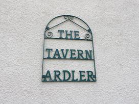 Cabin at the Tavern - Scottish Lowlands - 1039440 - thumbnail photo 2