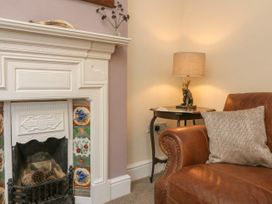 3 Lowerbourne Terrace - Somerset & Wiltshire - 1039481 - thumbnail photo 4