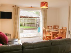 5 Forge Way - Shropshire - 1039495 - thumbnail photo 3