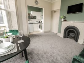 Emerald Suite - North Wales - 1039699 - thumbnail photo 9