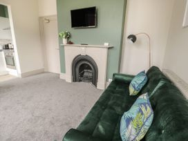 Emerald Suite - North Wales - 1039699 - thumbnail photo 10