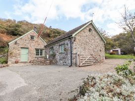 Glyn Yr Efail - South Wales - 1039765 - thumbnail photo 1