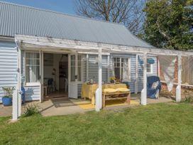 The Blue Beach House - Isle of Wight & Hampshire - 1039822 - thumbnail photo 3