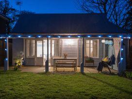 The Blue Beach House - Isle of Wight & Hampshire - 1039822 - thumbnail photo 27