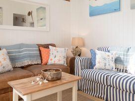 The Blue Beach House - Isle of Wight & Hampshire - 1039822 - thumbnail photo 5