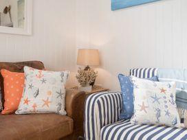 The Blue Beach House - Isle of Wight & Hampshire - 1039822 - thumbnail photo 8