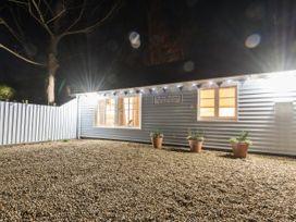 The Blue Beach House - Isle of Wight & Hampshire - 1039822 - thumbnail photo 29