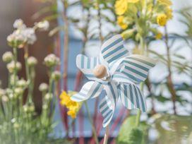 The Blue Beach House - Isle of Wight & Hampshire - 1039822 - thumbnail photo 32