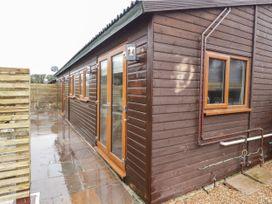 Sparrows Den Lodge - Kent & Sussex - 1039888 - thumbnail photo 1