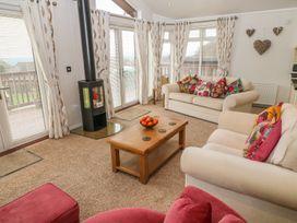 Lodge 11 - Devon - 1040007 - thumbnail photo 2