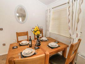 Lodge 11 - Devon - 1040007 - thumbnail photo 6