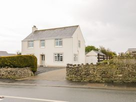 4 bedroom Cottage for rent in Benllech