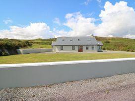 6 bedroom Cottage for rent in Castletownshend
