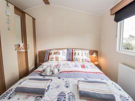 Moonstone Lodge - Kent & Sussex - 1040258 - thumbnail photo 7