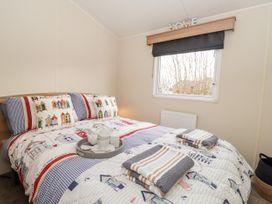 Moonstone Lodge - Kent & Sussex - 1040258 - thumbnail photo 8